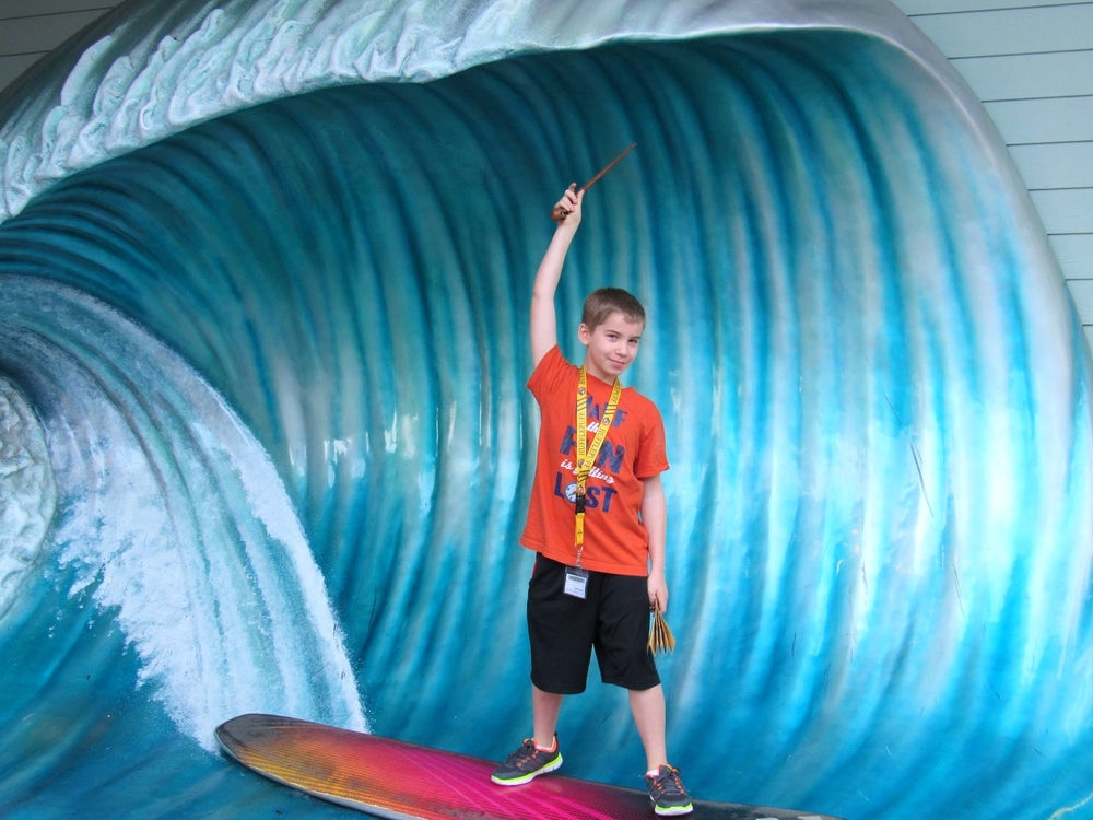 Don't miss the big wave photo opportunity in front of the Quiet Flight Surf Shop in Universal CityWalk Orlando.