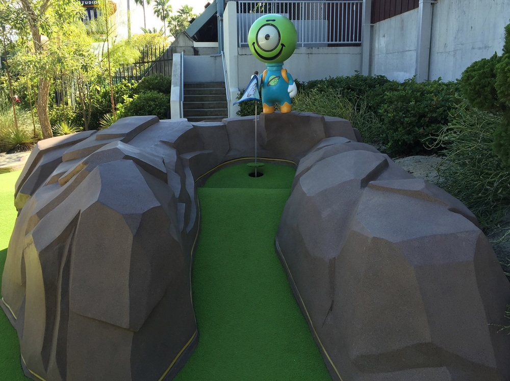 Cute Alien at Hollywood Drive In Golf