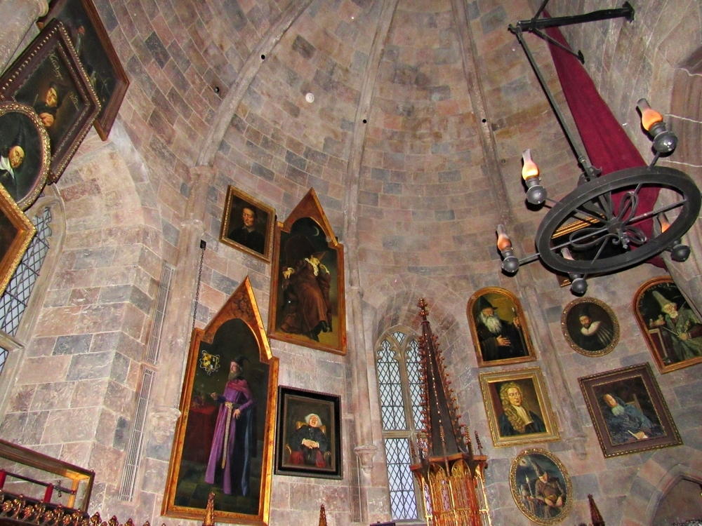 Portraits Located in Dumbledore's Office in Forbidden Journey