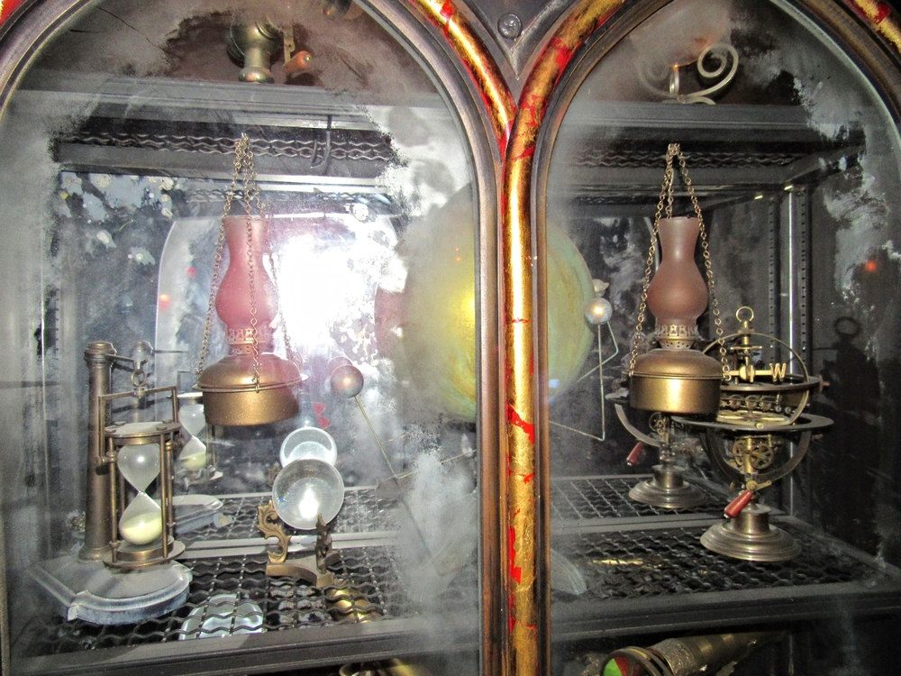 Wizardry Instruments in Dumbledore's Office Located in the Forbidden Journey Queue