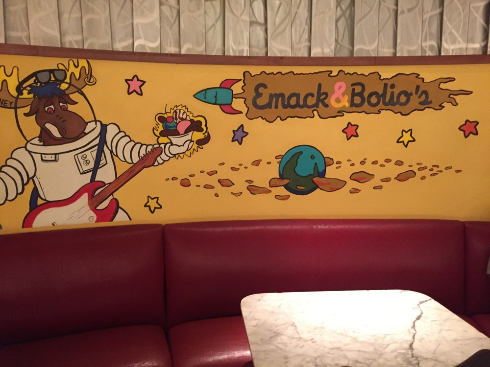 Seating at Emack & Bolio's Marketplace in Hard Rock Hotel Orlando
