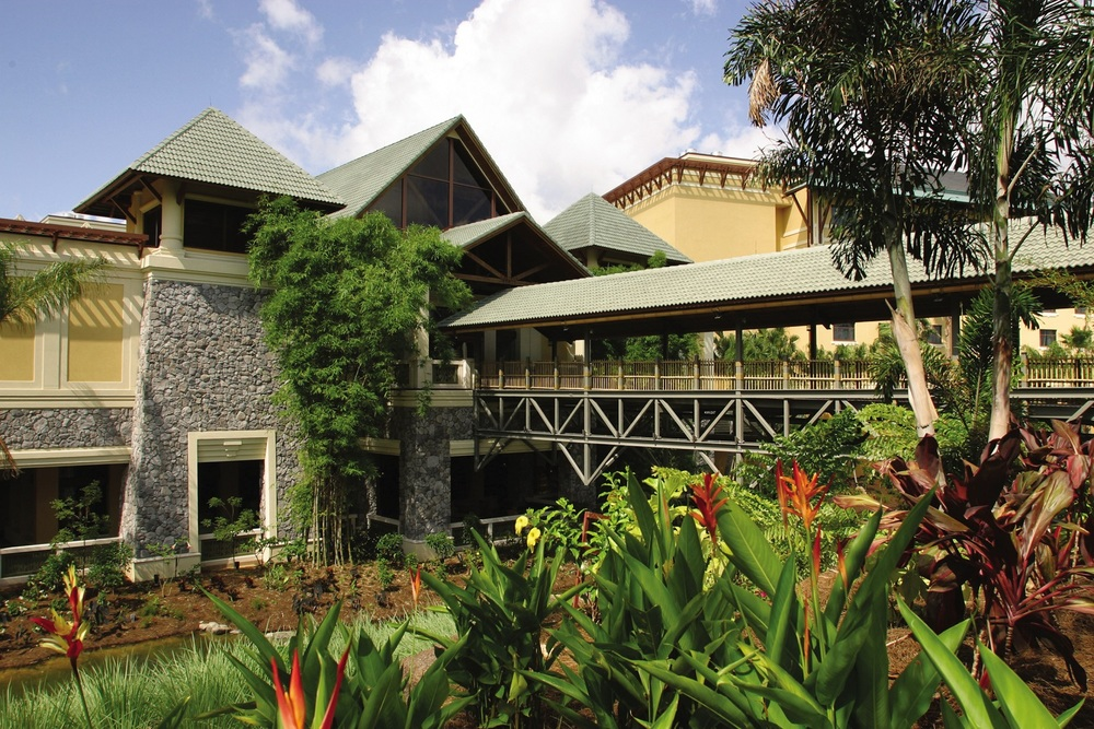 The exterior of Loews Royal Pacific Resort. Image credit: Loews Hotels.