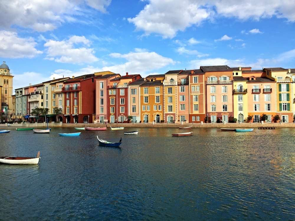 Loews Portofino Bay Resort harbor piazza.