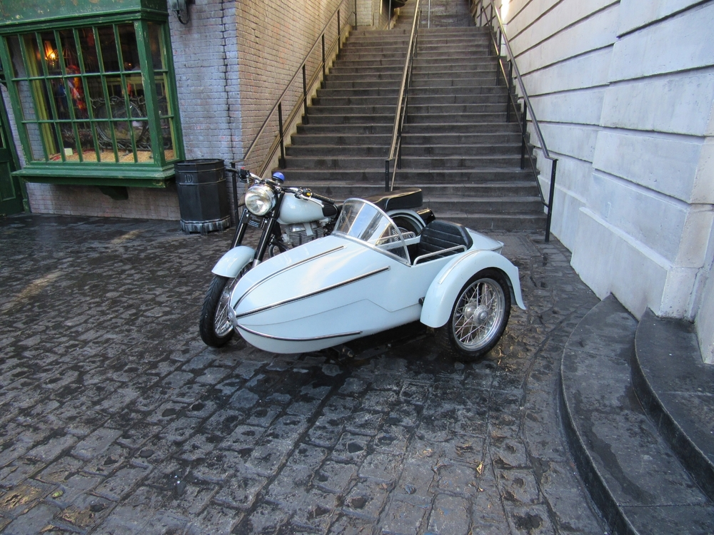 Motorbike and sidecar in Diagon Alley in Universal Studios Florida.