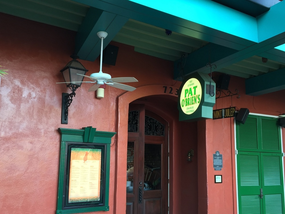 Pat O'Brien's serves signature drinks and Louisiana-style cuisine. The restaurant has a piano bar with nightly entertainment.