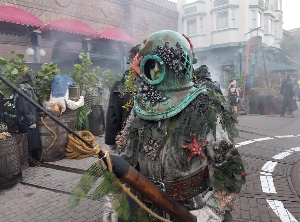 This deep sea diver was a fan favorite in the Dead Man's Wharf Scare Zone.
