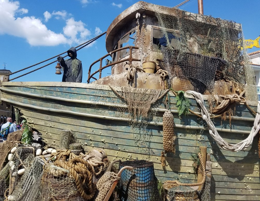This wrecked ship is the largest prop in the Dead Man's Wharf Scare Zone.