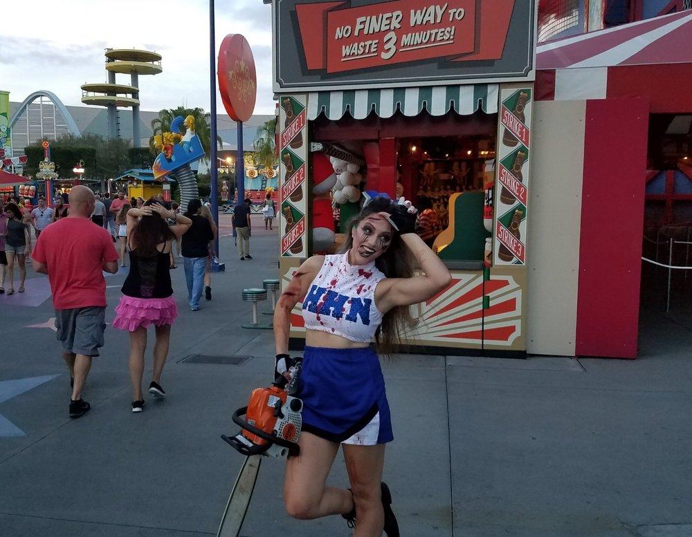 HHN cheerleader in Springfield U.S.A.