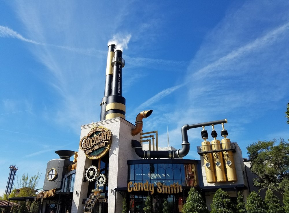Toothsome Chocolate Emporium and Savory Feast Kitchen during the day.