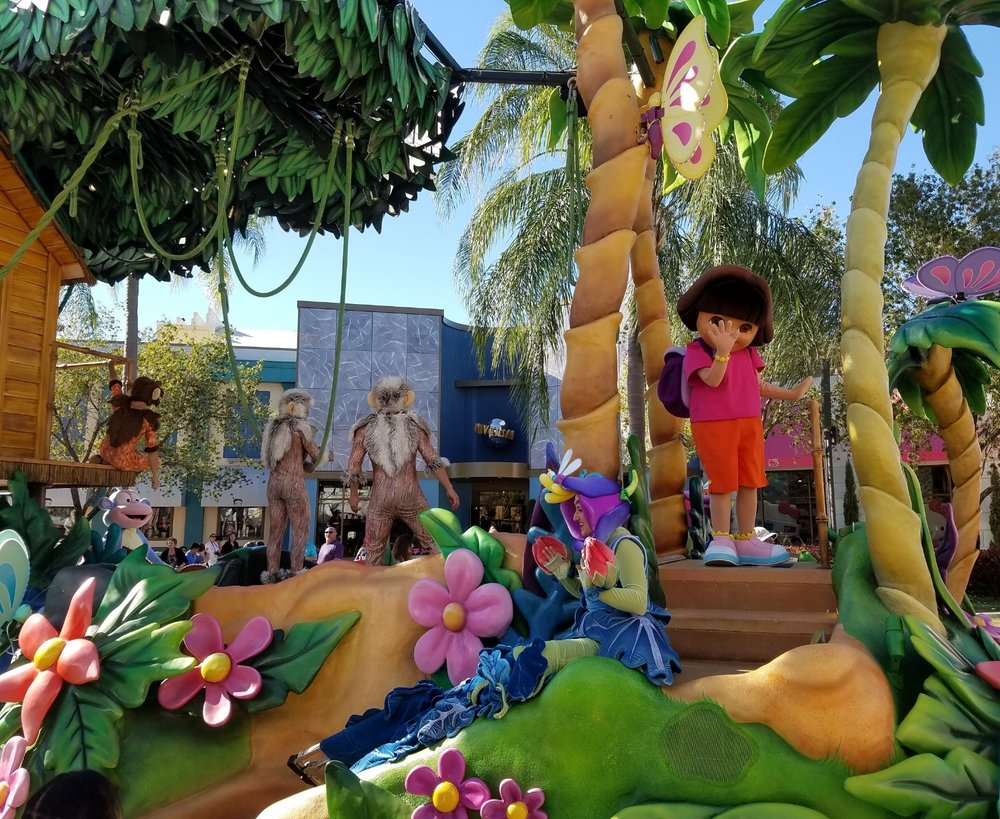 The Dora the Explorer float in Universal's Superstar Parade.