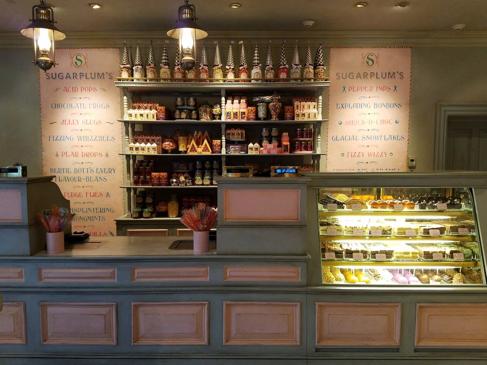 Sugarplum's Sweetshop in The Wizarding World of Harry Potter - Diagon Alley