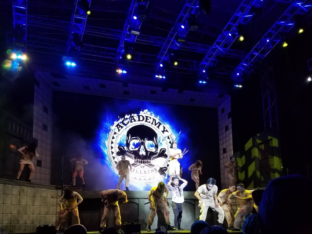 academy of villains performance at halloween horror nights 2016