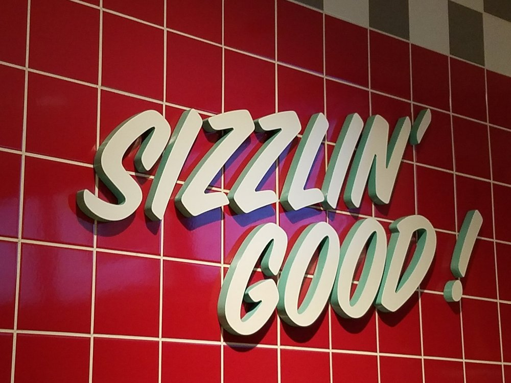 Sizzlin Good at Bayliner Diner