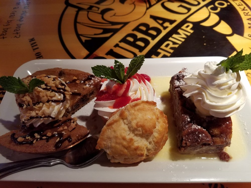 Hook, Line and Sinker Dessert Sampler from Bubba Gump Shrimp Co.