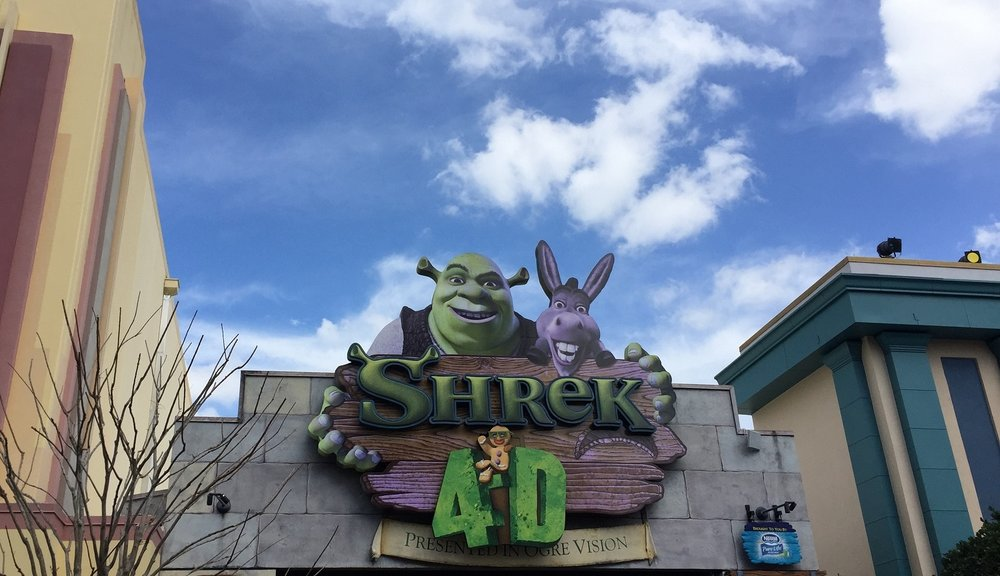 Shrek 4-D does not have minimum height requirements.