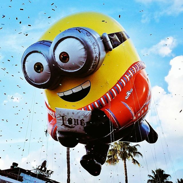 This is my favorite balloon from Universal's Holiday Parade. #Holiday #Minions #UniversalMoments