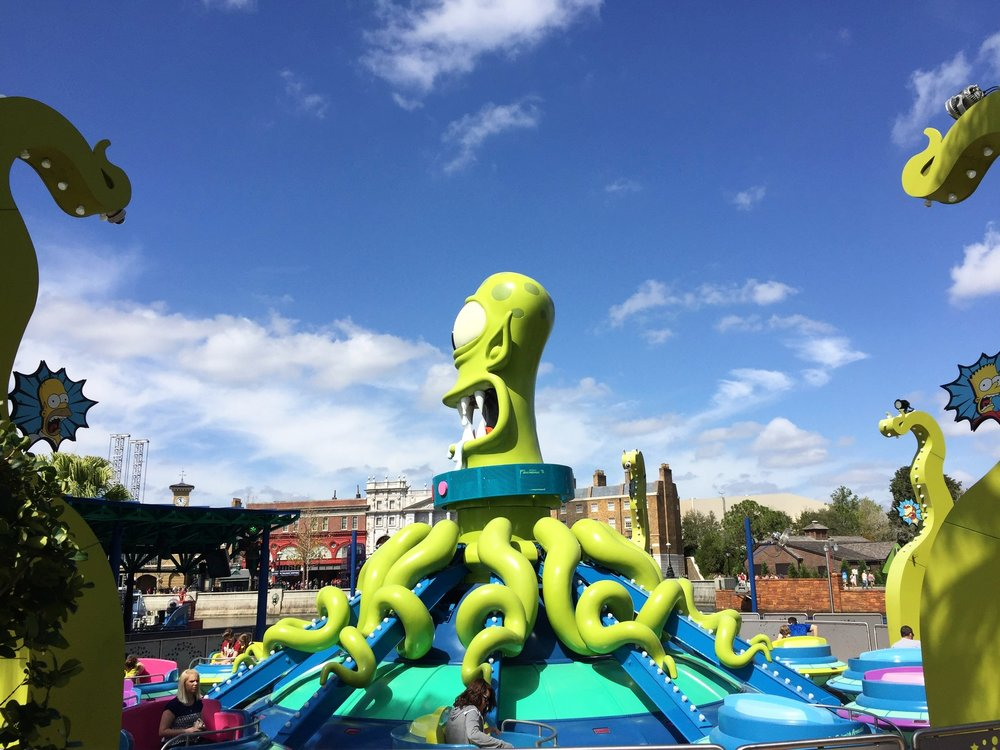 Kang and Kodos' Twirl 'N' Hurl Ride - Spinner Ride