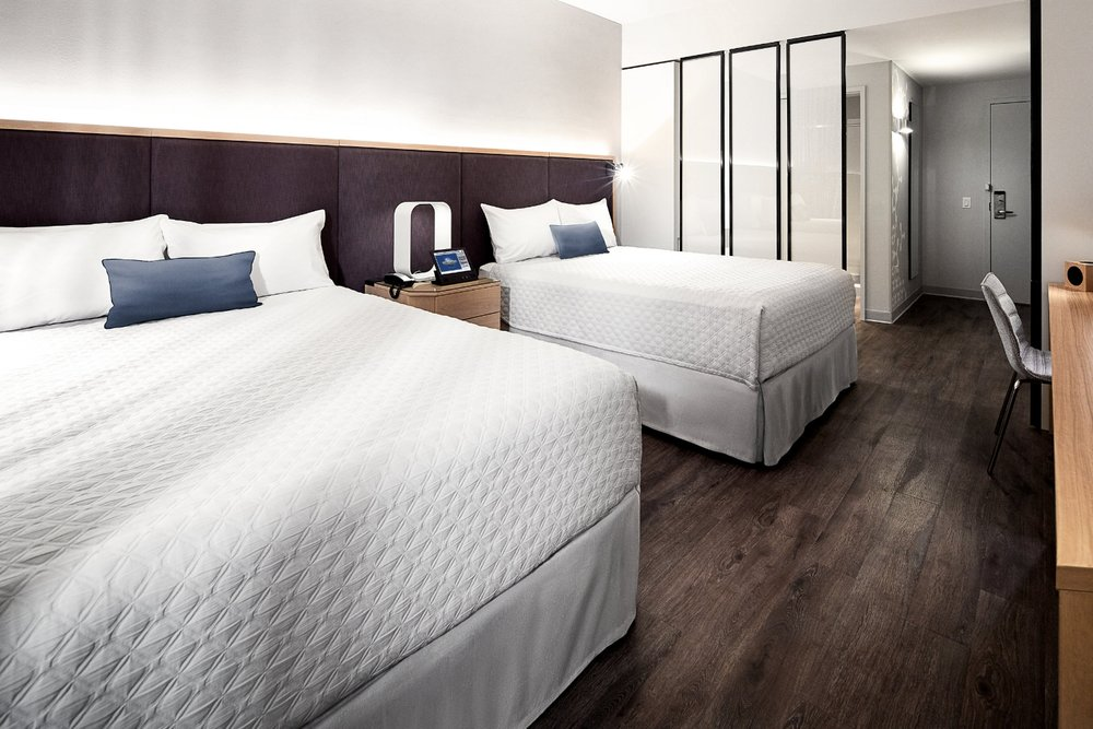 Universal Aventura Hotel Guest Room