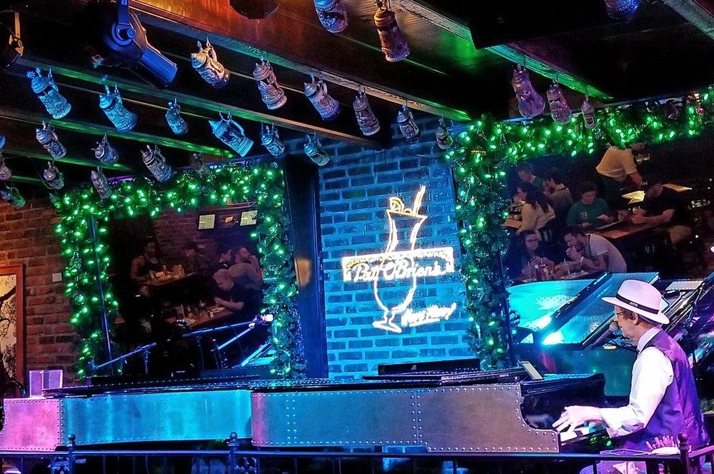 Piano player in the Piano Bar at Pat O'Brien's in Universal CityWalk Orlando.