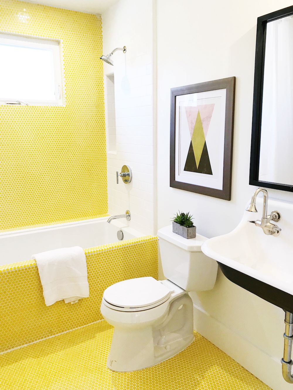Yellow Penny Tiles in Bathroom