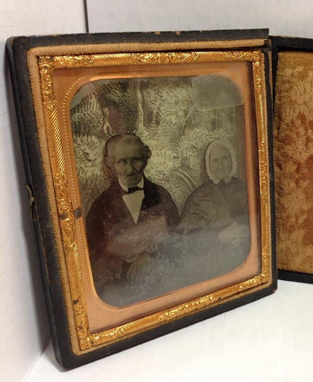 Rare 3-Dimensional Daguerreotype Portrait of Old Victorian Couple! Hand-Drawn Background! Scarcely-seen photographic history!