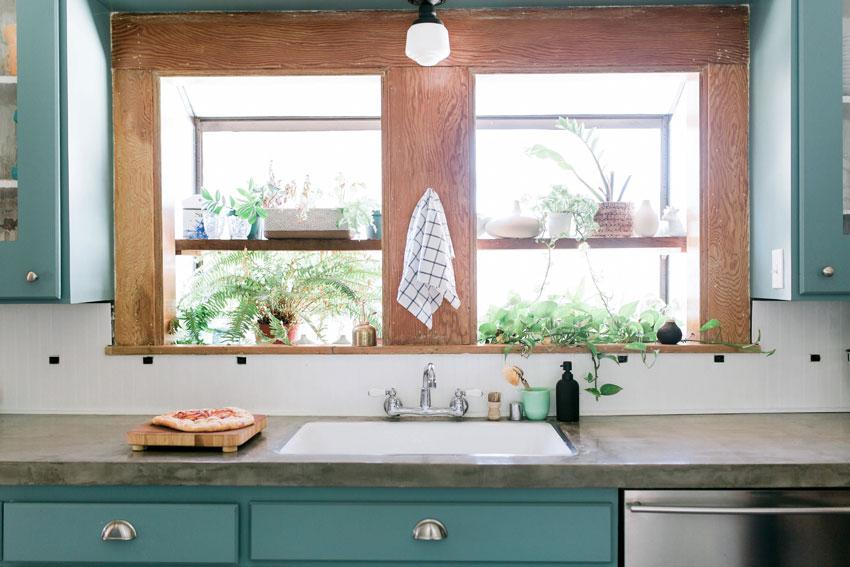 24-Kitchenb.jpg