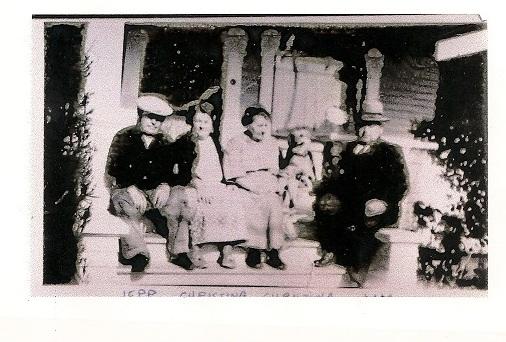 family from 1920s.jpg