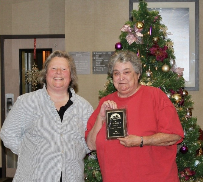 Urianna Vom Vertrauen  owned by  Susan Hunt  earned titles for CGC, RN, BN  (pictured Chris Kimerer and Susan Hunt)