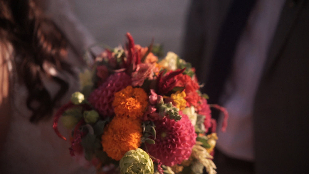 Fall Color Wedding Bouquet - Sarah & August Baltimore Wedding Film #chasinghaben