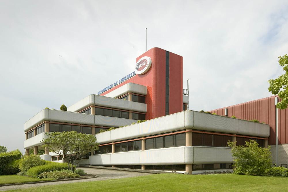 Autobar building