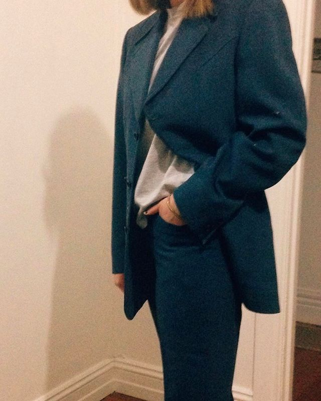Enviable thrifting skills from my grumps (g-pa) mean I get to rock this mint condish 70s wool suit on his behalf 🕺flares and all #TIGHTINTHERIGHTPLACES #theumpteenthnobody