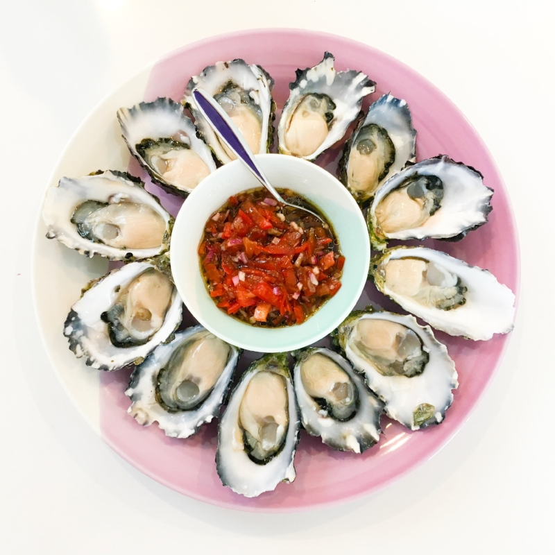 Oysters with Tomato Balsamic Dressing