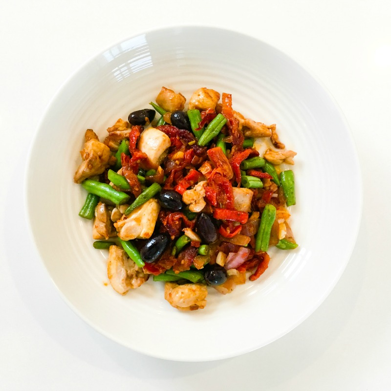 One Pan Chicken with Sun-Dried Tomatoes and Green Beans