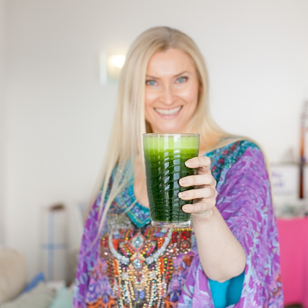 Hi! I'm Jenna. - I'm a (mostly-retired) public interest lawyer, a Masters-qualified, food-loving nutritionist, and certified workplace wellness specialist, living by the beach in Sydney, Australia.Healthy Happy Wonderful® is my online haven where I share my recipes and simple evidence-based nutrition and wellness tips.Come on in and take a look around!