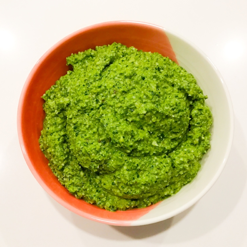Lemony Spinach & Walnut Pesto