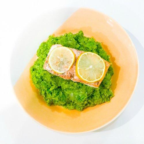 Oven-Baked-Salmon-with-Pea-Broccoli-Mash.jpg