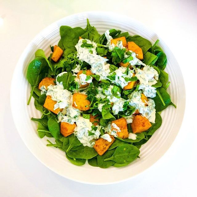 This is my Roast Pumpkin Salad with Lemony Feta and Herb Dressing.🥗 I encourage my clients to get into a regular habit of roasting up a tray of vegetables, especially during the winter months.  Roast Pumpkin Salad features regularly on my dinner table. But we never get sick of it because there are lots of ways to tweak it.  This one features baby spinach and a delicious creamy lemon, feta and herb dressing. The recipe makes a lot of dressing. If you have leftover dressing, it is delicious with a simple green salad. But my husband prefers to use it as a dipping sauce for freshly cut vegetables. Link in profile. #salad #saladrecipe #healthyfood #vegetarianrecipes #vegetarian #culinarynutrition #foodismedicine #jerf #realfood