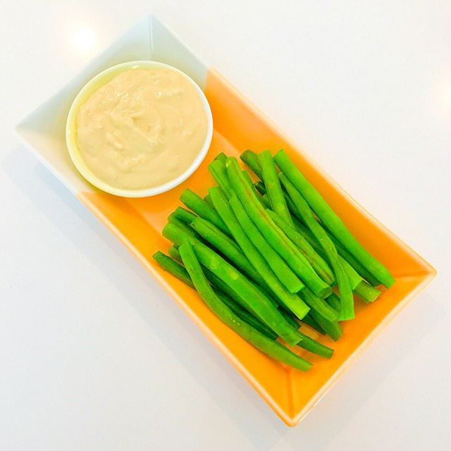 It's Foodie Friday!🥦🥙🍲 Try my Blanched Green Beans with a delicious dipping sauce made of Tahini, lemon juice and a hint (or more!) of garlic. :) This is our go-to healthy snack when green beans are cheap and plentiful at the greengrocer, or when our garden produces them by the bagful. The dip is a slightly-tweaked version of my UTTERLY ADDICTIVE lemon, garlic and tahini dressing and is perfectly matched with the slightly-crunchy, slightly-sweet green beans! Link to recipe in profile. #healthyfood #healthysnacks #recipes #vegan #veganrecipes #vegetarian #vegetarianrecipes #vegansnacks #plantbased #plantbasedrecipes #culinarynutrition #foodismedicine #delicious #nutritious