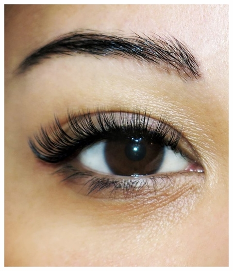 Eyelash Extensions - Natural Look, Glamour Look, Weddings & Volume