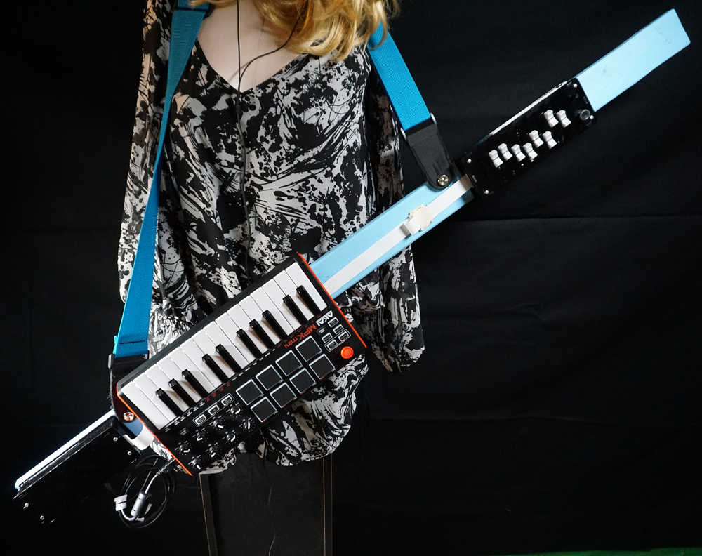 Wield the sonic power! Parade about the stage. Unleash your inner keytar