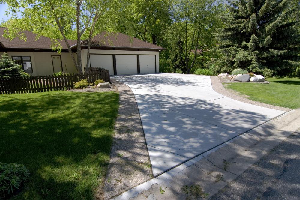 Concrete driveway, exposed aggregate border, Woodbury, MN, M. F. Fleischhacker