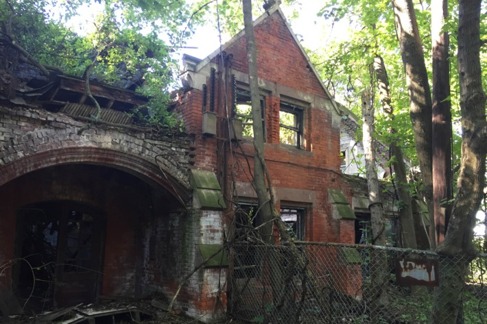 North Brother Island's most famous patient was Typhoid Mary (Mallon), who was quarantined on the island and died there in 1938.Photo: Jen Kirby/New York Magazine