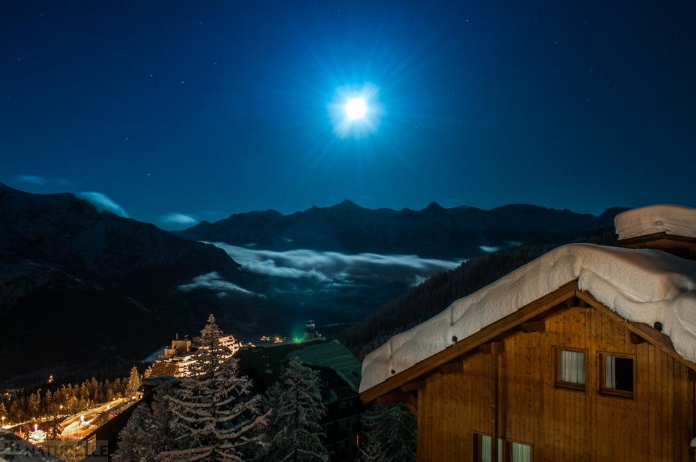 hameau látkép éjjel.jpg