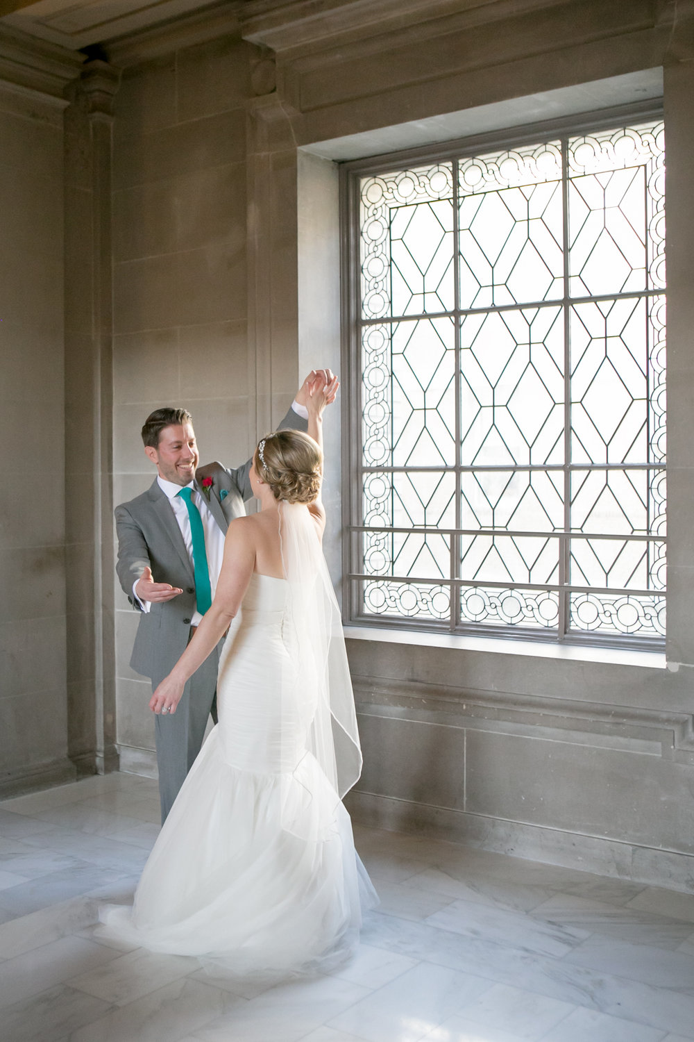 Getting married inside the San Francisco City Hall - Michelle Chang Photography