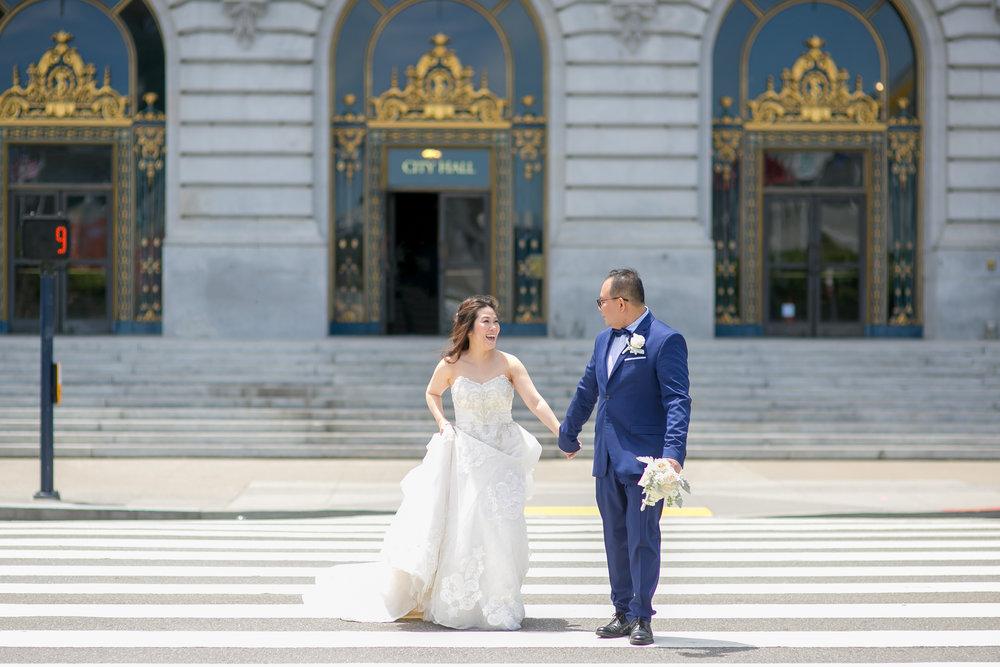 San Francisco City Hall Wedding - Michelle Chang Photography