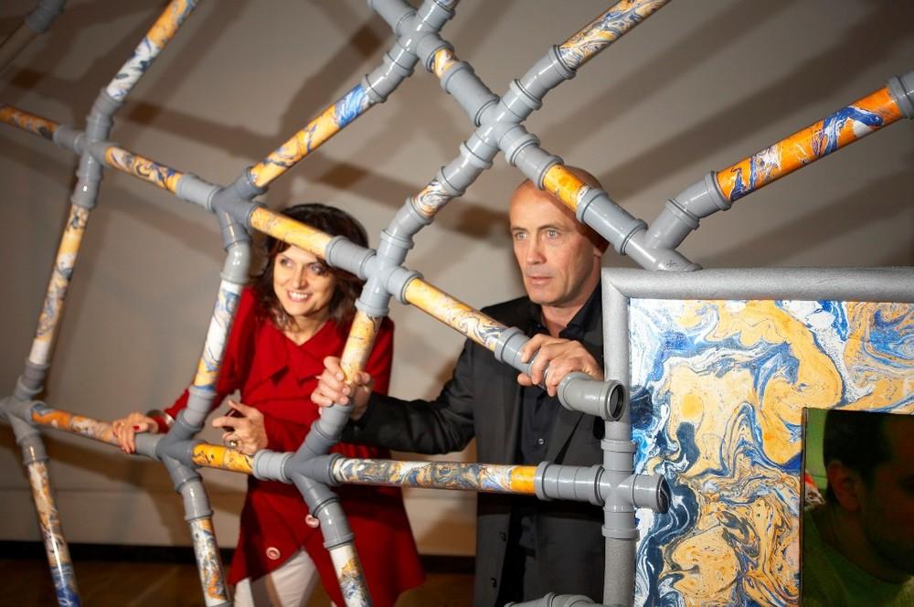 Марина Звягинцева и Шалва Бреус на выставке номинантов Премии Кандинского-2008 в ЦДХ