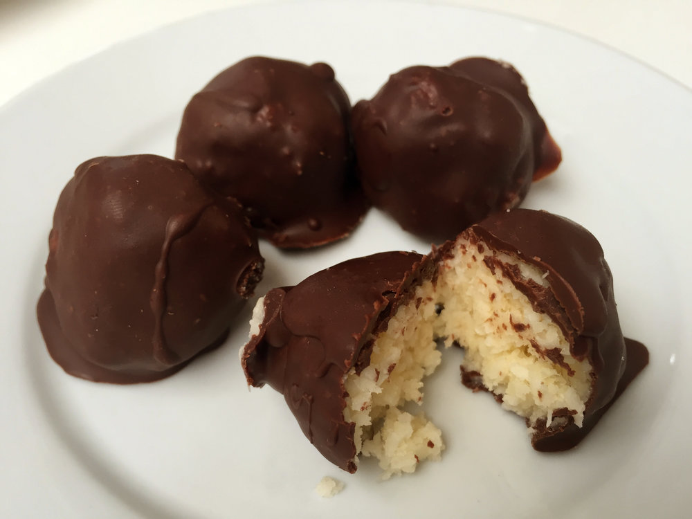 Ian's no-bake bounty balls