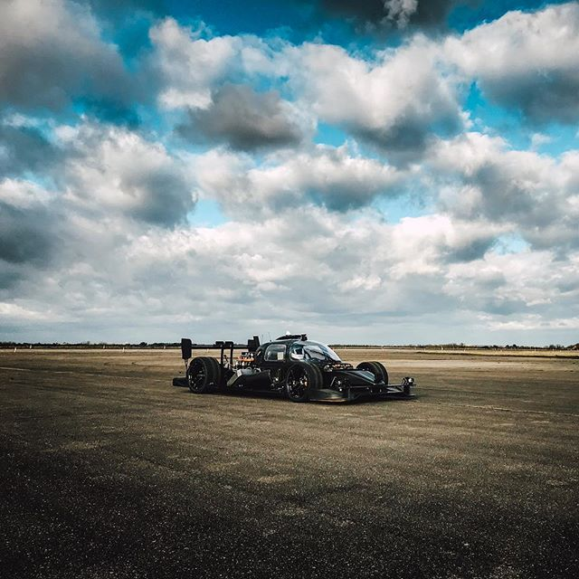 Two days filming @roborace in Oxfordshire for @avernerfilms @fleye_aerial  #roborace #ai #artificialintelligence #racing #filmmaking