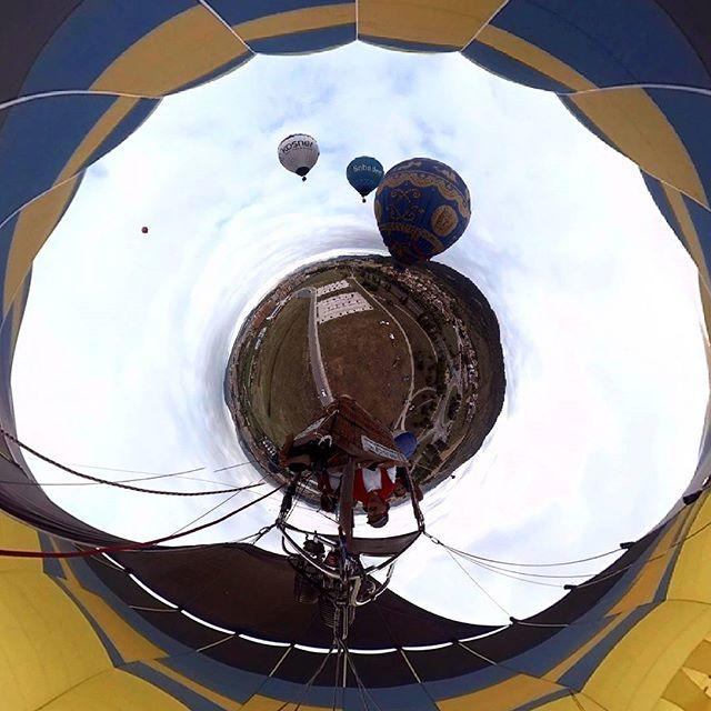 Un viaje en globo? También es posible en sanfermines!!!! Próximamente subiremos el vídeo a nuestro canal! #balloonride #balloon #sanfermin #360 #tinyplanet #littleplanet #viajeenglobo