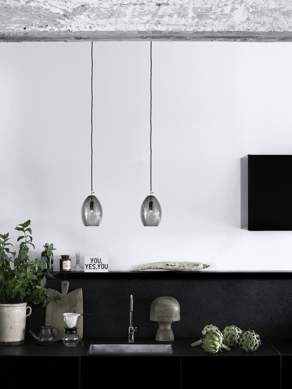 Unika-grey_kitchen-Low-res_Photo_Chris-Tonnesen-1050x1400.jpg